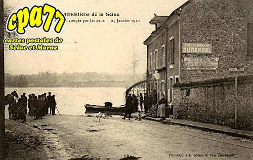 Avon - La Route de Valvins coupée par les eaux - 25 Janvier 1910 (en l'état)