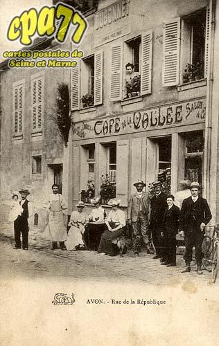 Avon - Rue de la République