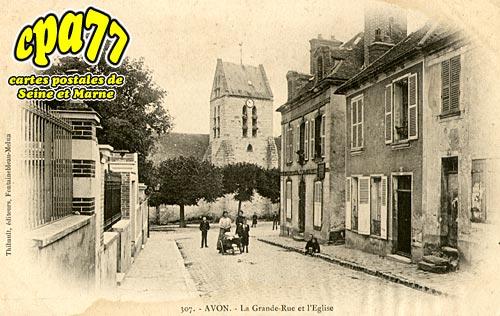 Avon - La Grande-Rue et l'Eglise