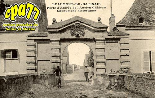 Beaumont Du Gâtinais - Porte d'Entrée de l'Ancien Château (Monument Historique)