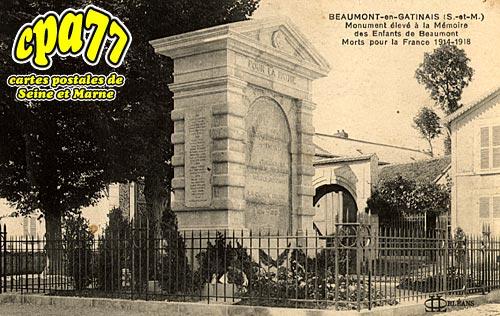 Beaumont Du Gâtinais - Monuments élevé à la mémoire des Enfants de Beaumont, morts pour la France 1914-1918