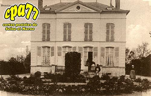 Beaumont Du Gâtinais - L'Hospice