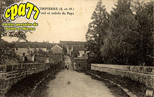 Bernay Vilbert - Pont et entrée du Pays
