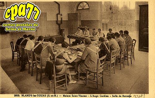 Blandy Les Tours - Maison Saint-Vincent - L'Ange Gardien - Salle de Retraite