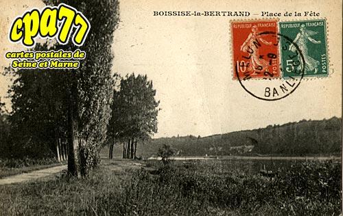 Boissise La Bertrand - Place de la Fête