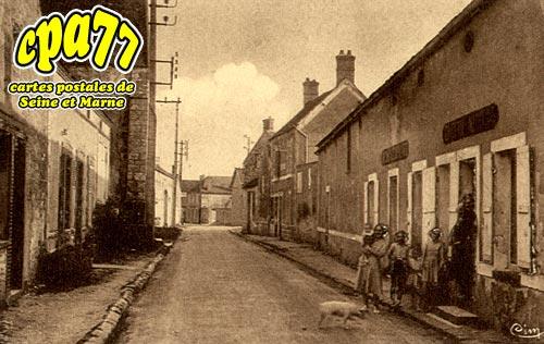 Bougligny - Rue de l'Eglise
