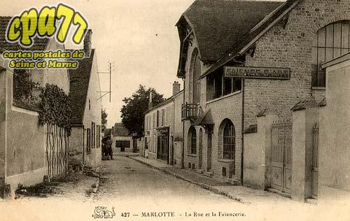 Bourron Marlotte - 427. - Marlotte - La Rue et la Faïencerie