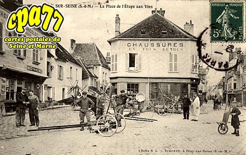 Bray Sur Seine - La Place de l'Etape aux Vins
