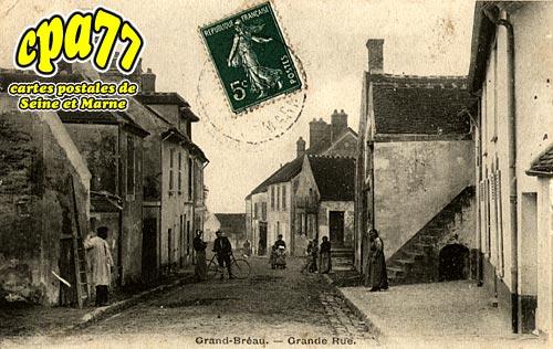 Bréau - Grande Rue