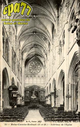 Brie Comte Robert - Intérieur de l'Eglise