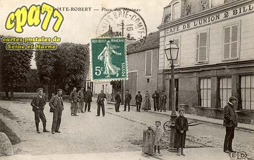 Brie Comte Robert - Place des Minimes