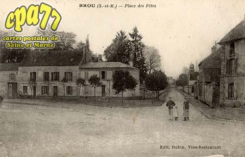 Brou Sur Chantereine - Place des Fêtes