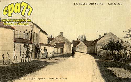 La Celle Sur Seine - Grande Rue