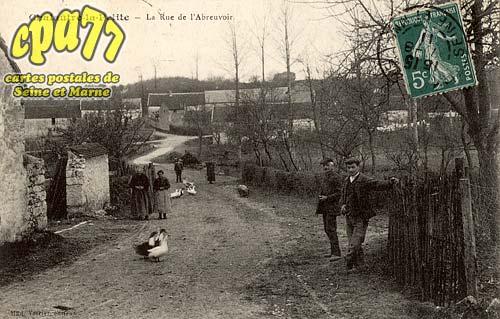Chalautre La Petite - La Rue de L'Abreuvoir