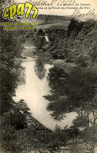 Chalifert - Le Bassin du Canal - La Marne et le Pont du Chemin de fer