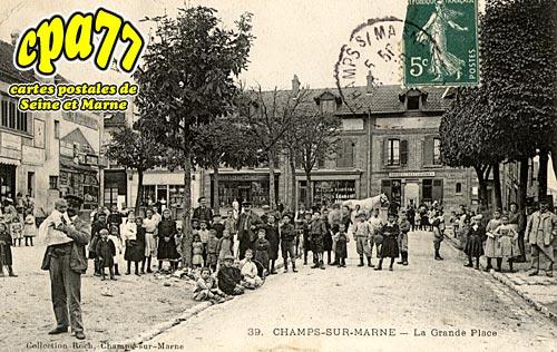 Champs Sur Marne - La Grande Place