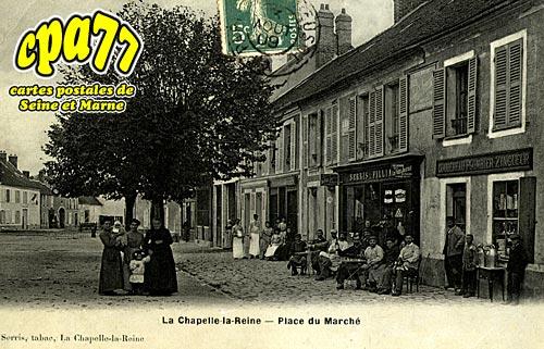 La Chapelle La Reine - Place du Marché