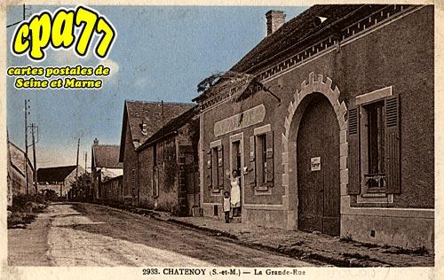 Châtenoy - La Grande Rue