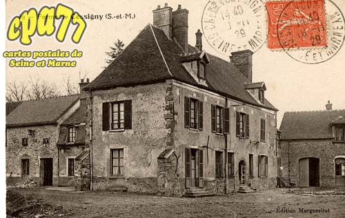 Chevry Cossigny - La Grande Rue - Mairie