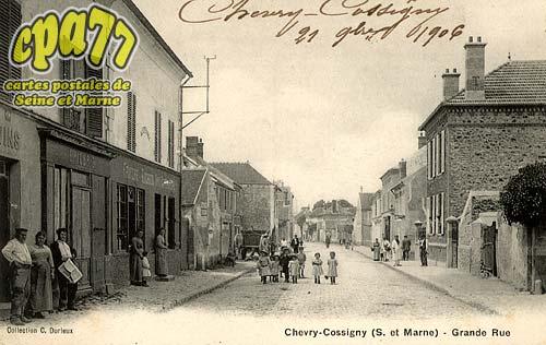 Chevry Cossigny - Grande rue