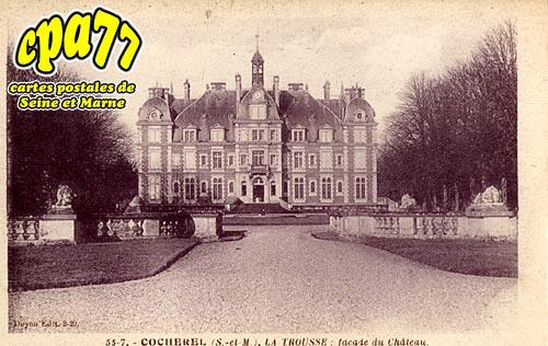 Cocherel - La Trousse : façade du Château