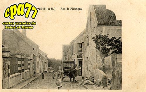 Cocherel - Rue de Fleurigny