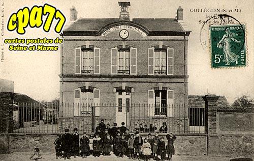 Collégien - Les Ecoles - Sortie des Elèves