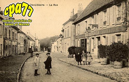 Condé Ste Libiaire - La Rue
