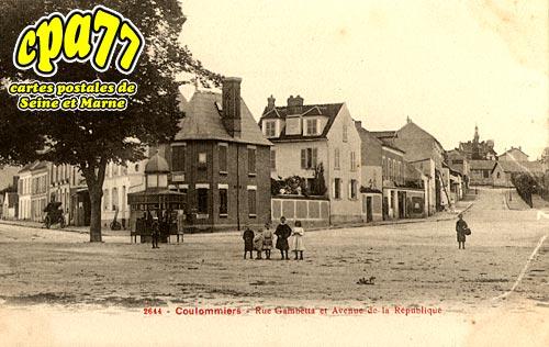 Coulommiers - Rue Gambetta et Avenue de la République