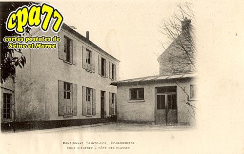 Coulommiers - Pensionnat Sainte-Foy - Cour d'Entrée - Côté des Classes