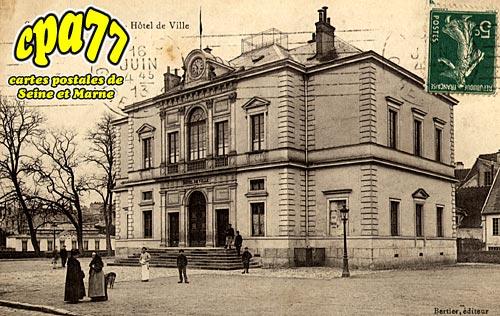 Coulommiers - Hôtel de Ville