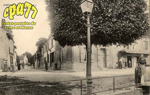 Coupvray - Place de la Fontaine - Rue St-Denis