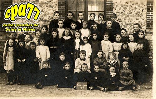 Courtacon - Les Eleves de l'Ecole