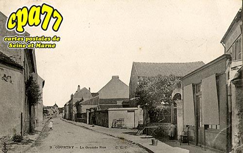 Courtry - La Grande Rue