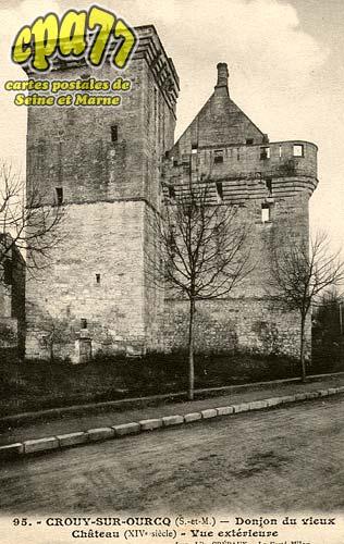 Crouy Sur Ourcq - Donjon du Vieux-Château (XIV°siècle), vue extérieure