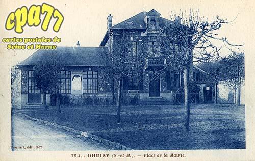 Dhuisy - Place de la Mairie