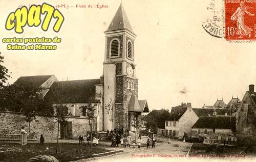 Dhuisy - Place de l'Eglise