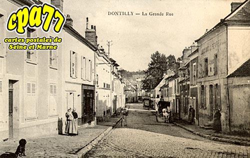 Donnemarie Dontilly - La Grande-Rue