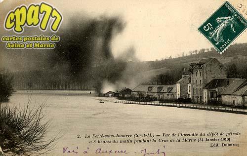 La Ferté Sous Jouarre - Vue de l'incendie du dépôt de pétrole à 8 heures du matin pendant la Crue de la Marne (24 Janvier 1910)