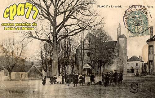 Flagy - L'Eglise et la Place