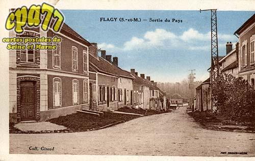 Flagy - Sortie du Pays