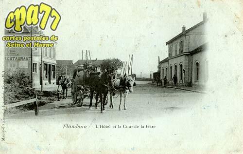 Gouaix - L'Hôtel et la Cour de la Gare