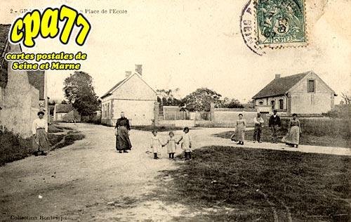 Gravon - La Place de l'Ecole