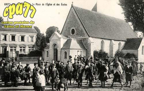 Gretz Armainvilliers - La Place de l'Eglise et des Ecoles