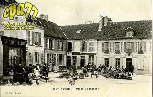 Jouy Le Châtel - Place du Marché