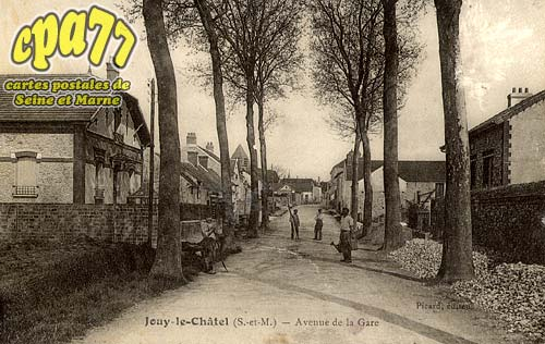 Jouy Le Châtel - Avenue de la Gare
