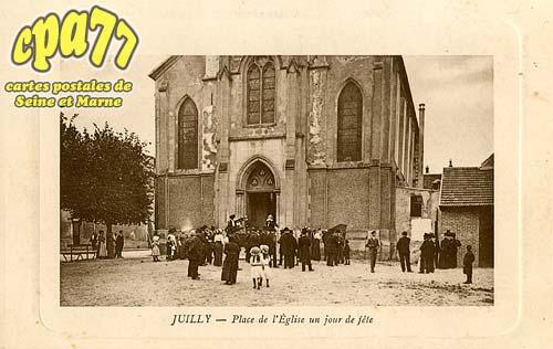 Juilly - Place de l'Eglise un jour de fête