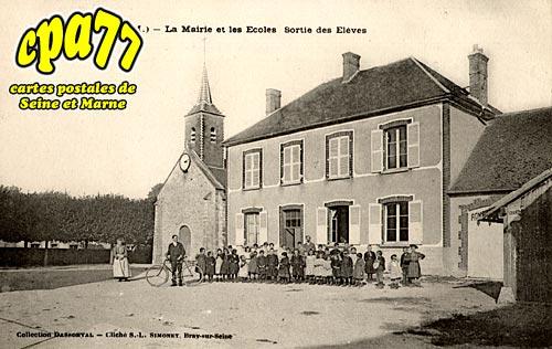 Jutigny - La Mairie et les Ecoles - Sortie des Eleves
