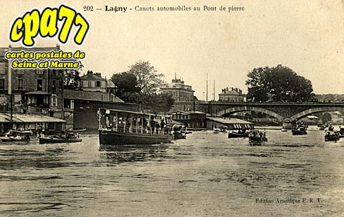 Lagny Sur Marne - Canots automobiles au Pont de pierre
