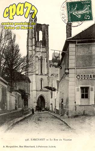 Larchant - La Rue du Vicariat